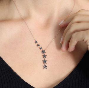 Gümüş Siyah Kayan Yıldızlar Bayan Kolye