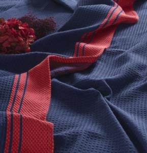 Gökyüzü Bordürlü Çift Kişilik Pike Takımı- Lacivert/Kırmızı