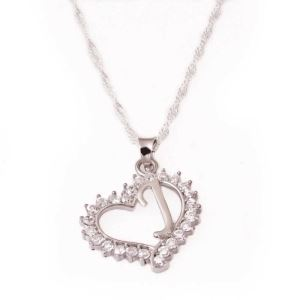 Gümüş J Harf Kalpli Bayan Kolye