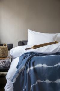 İssimo Artısan 200x230 Batık Yatak Örtüsü Mavi