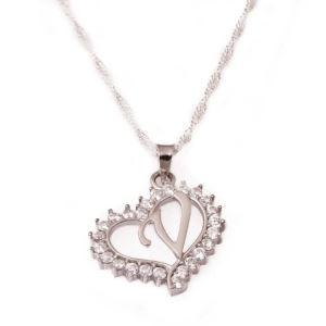 Gümüş V Harfi Kalpli Bayan Kolye
