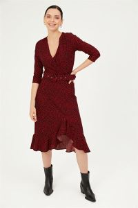Mini Çiçekli Kemerli Yarım Kol Eteği Volanlı Örme Krep Elbise Kırmızı