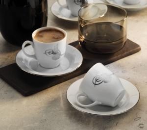 Kütahya Porselen Tuğralı Kahve Takımı Platin