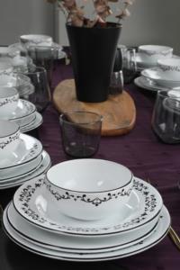 Kermika Riva Beyaz Siyah Yemek Takımı 48 Parça 12 Kişilik