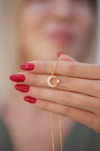 Ayyıldız Model Zirkon Taşlı Altın Kaplama Gümüş Kolye