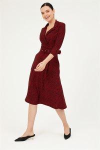 Yakalı Kruvaze Mini Çiçekli Kemerli Yarım Kol Cepli Örme Krep Elbise Kırmızı
