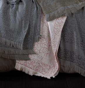 HC&W Laurine Peştemal Yatak Örtüsü Pembe