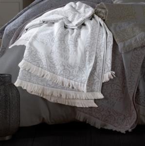 HC&W Laurine Peştemal Yatak Örtüsü Gri