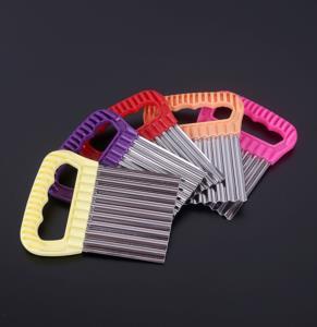 Bastonlu Züccaciye Tırtıklı Metal Cips Dilimleyici