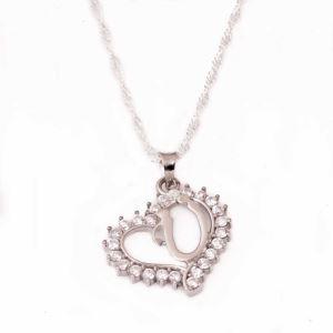 Gümüş Ü Harf Kalpli Bayan Kolye