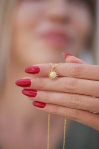 Güneş Model Altın Kaplama Zirkon Taşlı Gümüş Kolye