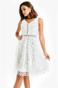 Boncuk Detaylı Üç Boyutlu Abiye Elbise Beyaz