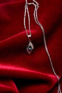 Göz Model Zirkon Taşlı Gümüş Kolye