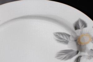 Sevenly 24 Parça Ottomane Çiçekli Yuvarlak Yemek Takımı