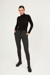 Beli Bağcıklı Kareli Cepli Likralı Havuç Pantolon Siyah