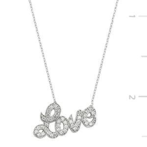 Gümüş Love Yazılı Bayan Kolye