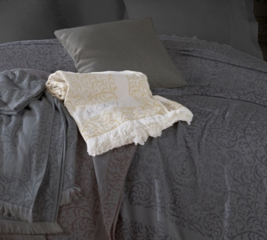HC&W Laurine Peştemal Yatak Örtüsü Sarı