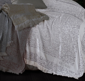 HC&W Laurine Peştemal Yatak Örtüsü Bej