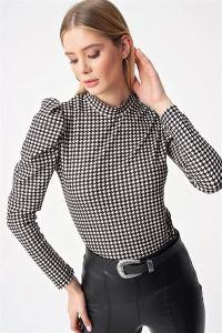 Kol Pileli Kazayağı Desen Bluz Siyah