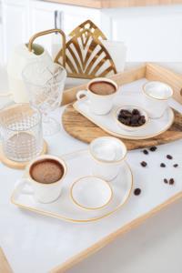 Keramika Moka İkram Seti Fileli Mat Beyaz 8 Parça 2 Kişilik